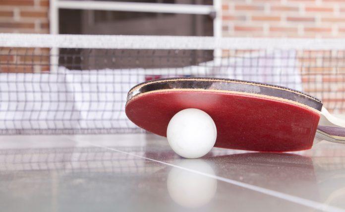 Alles was du über Tischtennisschläger und -Bälle wissen musst