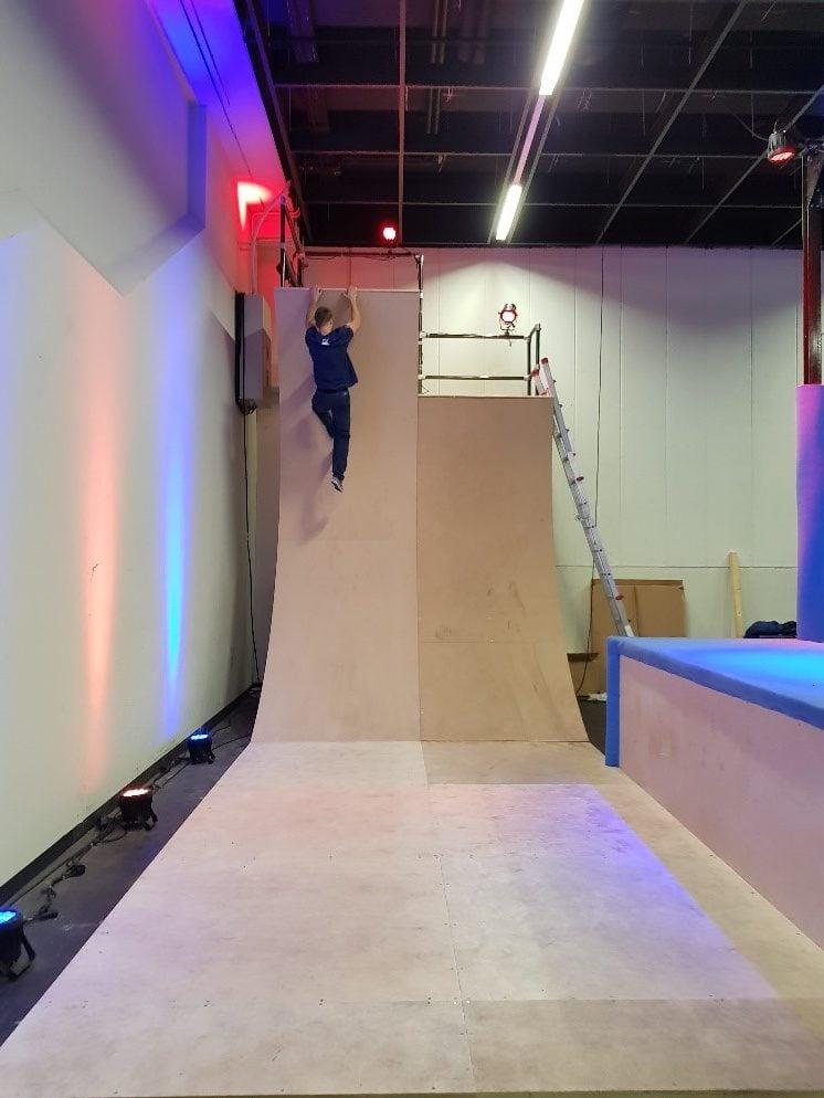 Warped Wall im Ninja Warrior Park