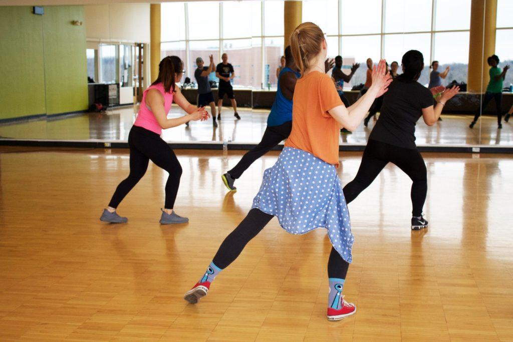 Aerobic zum Abnehmen tanzen Salsa in