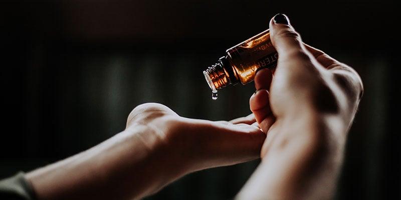 Massageöl ist ein Basic der Massagepraxis Ausstattung