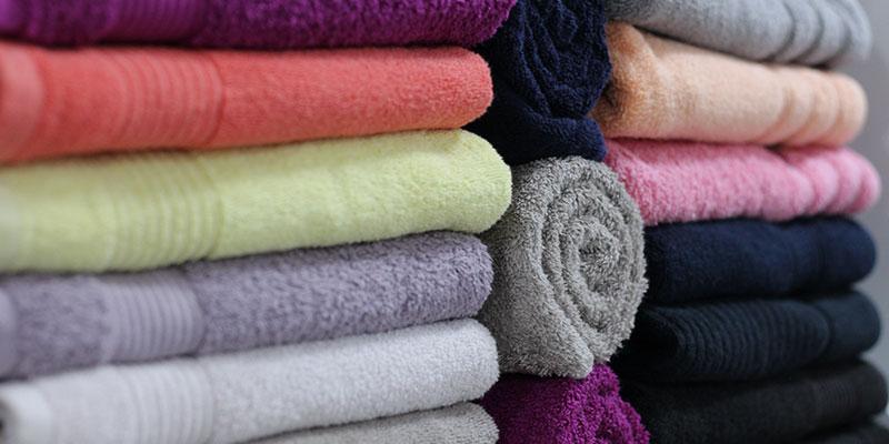 Handtücher und Co sind ein wichtiger Bestandteil der Massagepraxisausstattung