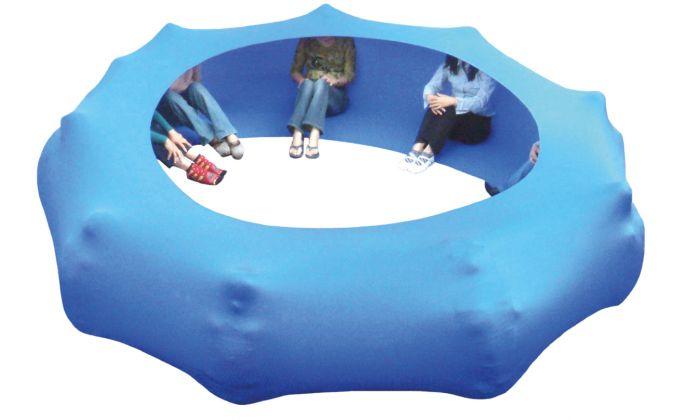 Tag des dummen Spielzeugs: Kooperationsschlauch