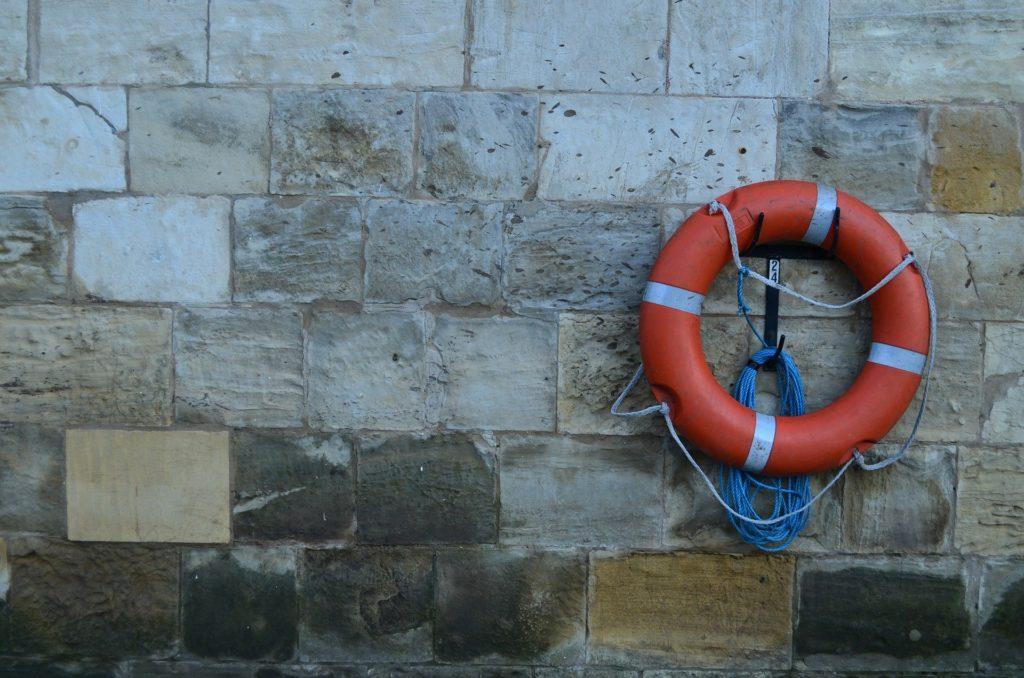 Rettung und Sicherheit in der Schwimmbadausstattung