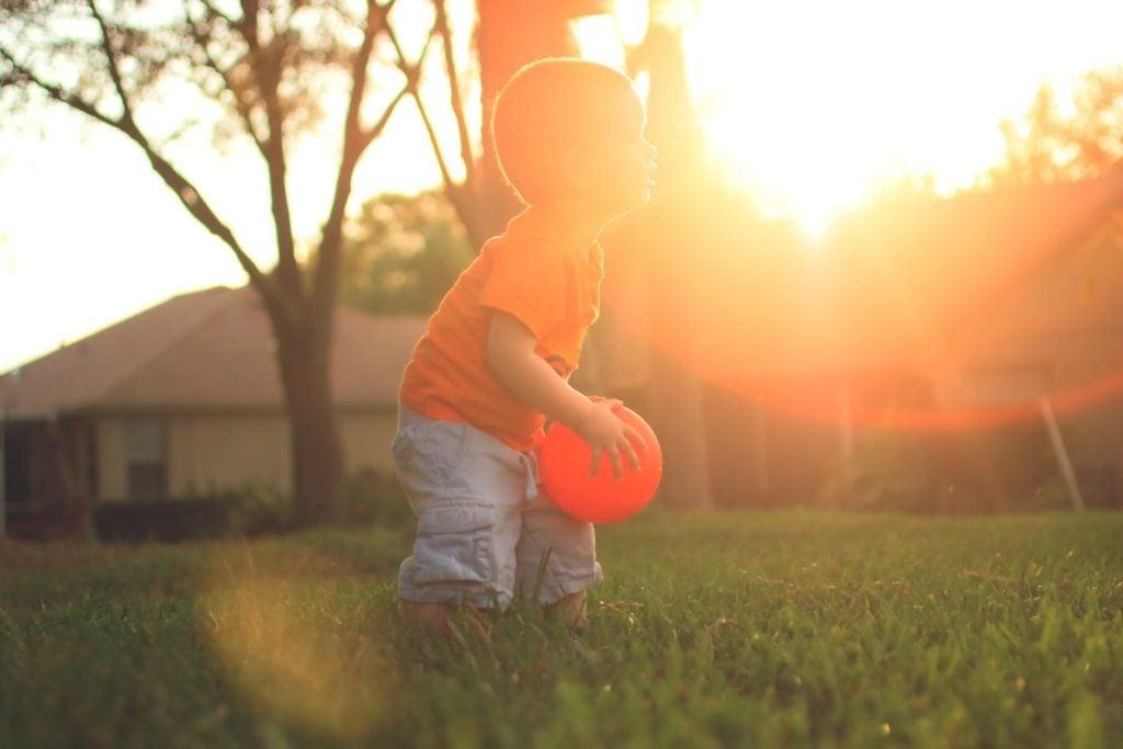 Wie lernt man einen Ball fangen?