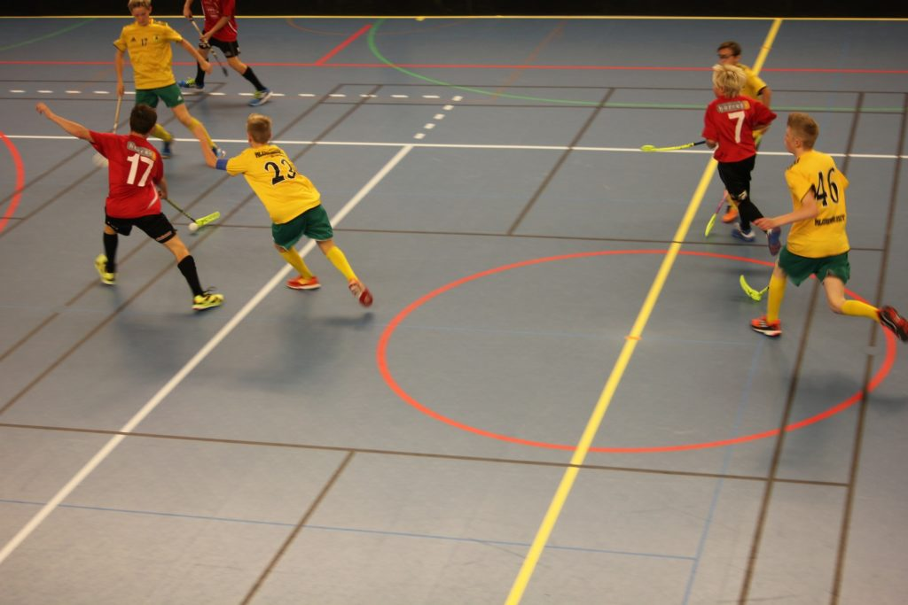 Floorball im Sportunterricht