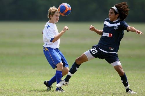 Fußball im Sportunterricht und passende Spiele dafür