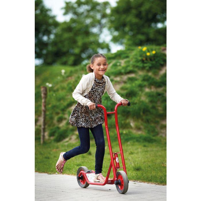 Tretroller als beliebtes Kinderfahrzeug