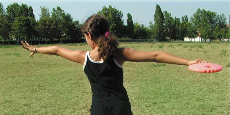Diskuswerfen: Drehwurf-Übung für Kinder