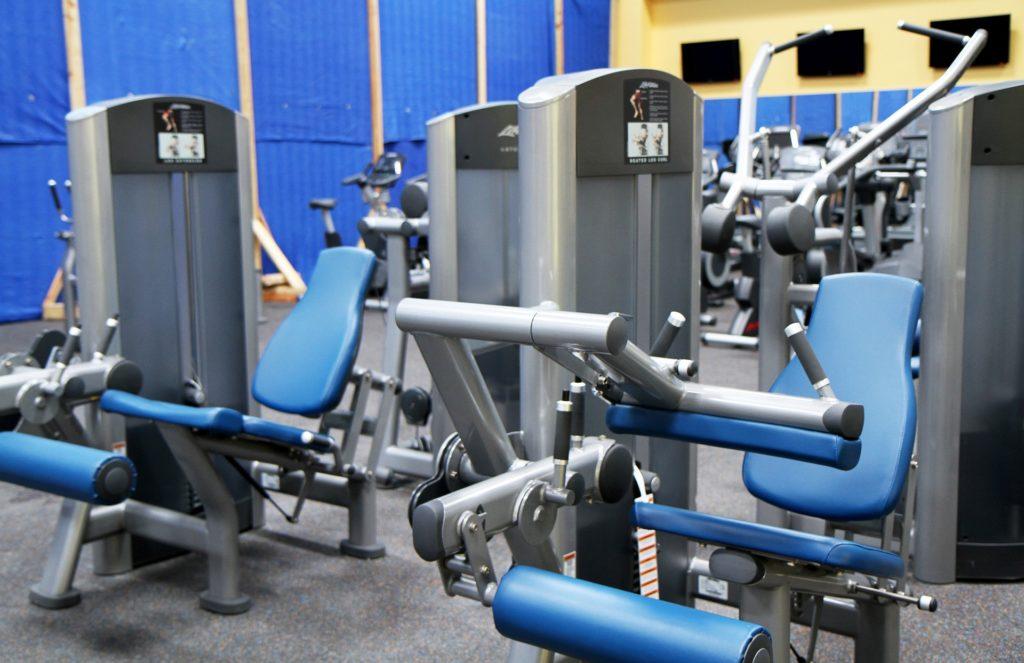 Sportgeräte richtig reinigen und desinfizieren