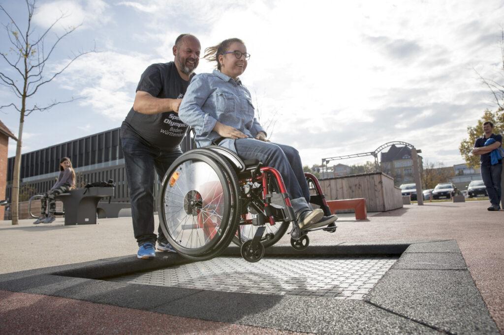 Rollstuhlgerechtes Bodentrampolin