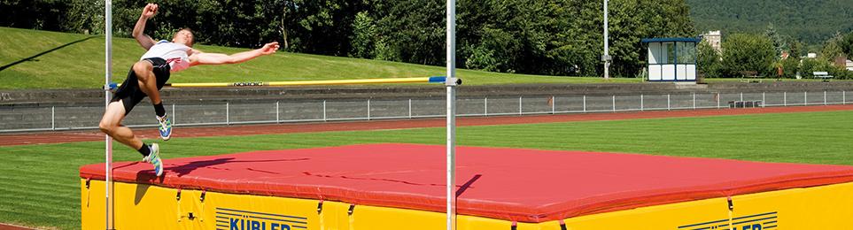 Bandmaß und Weitenmessung - Leichtathletik Equipment - Maßband Fiberglas - Stahl Maßband - Bandmaß Haltestab